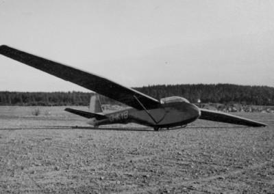 36 Pik 12 ennen koneen p suunnittelija Ilkka Lounamaan ensilentoa hein kuun alussa 1957